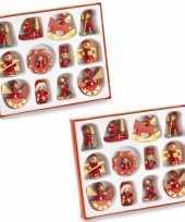 Set met 24 houten kerstboomhangers